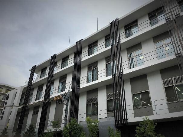 田中病院 外観その1 昨年来リニューアルされた田中病院は大変新しく、綺麗な外観...